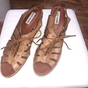 Size 10 Steve Madden Lace-up chunky heel sandals